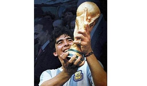உதைபந்தாட்ட வீரர் Diego Maradona மரணம்